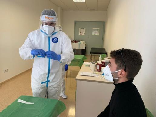 Menorca Es Mercadal / 4 Vents / pruebas PCR a estudiantes / Estudiante llego de Barcelona Menorca Es Mercadal / 4 Vents / pruebas PCR a estudiantes / Estudiante llego de Barcelona