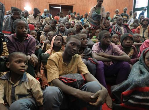 Los niños tras su liberación.