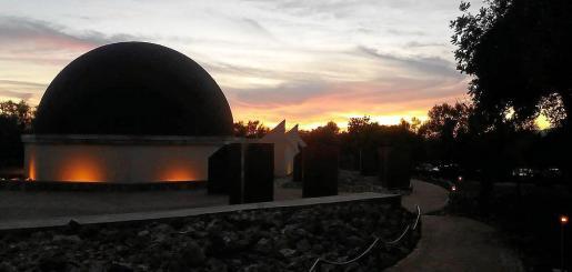 El observatorio de Costitx preparó una jornada divulgativa para seguir el fenómeno astronómico.