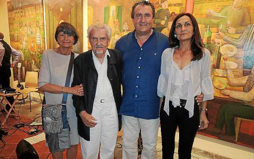 Gabriele Lichter, Alfred Lichter, Ramón Servalls y Tonina Bestard al final del acto.