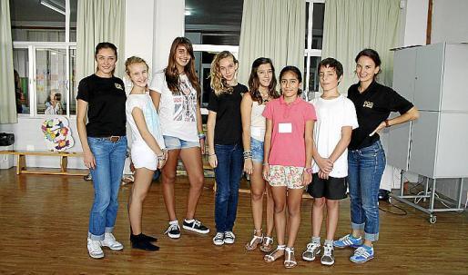 Rosa Gené, Blanca Ferriol, Paula Llabrés, Carmen Rodo, Carolina Hernández, Irina Herrera, Miguel Jaume y Mercé Sancho.