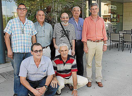 De pie: Jeroni Sureda, Miquel Flaquer, Ramón Solich, Tomeu Gómez y Joan Amer. Agachados: Baltasar Moyá y Juan Pujol.
