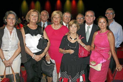Carmen Sánchez, Paloma Sastre, Michi Montojo, Carmen Carreras, Juan Fernández, Aina Ferrando, Manuel Redondo, Adolfo Orozco, Puri Flores y Gabriel Méndez.