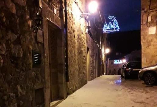 Una calle de Valldemossa esta pasada noche.