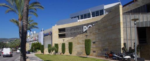 Porto Pi Centro Comercial tuvo que cerrar sus puertas por orden policial.