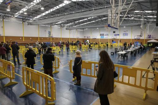 La Conselleria de Salud, con la colaboración del Ayuntamiento de Palma, está realizando un cribado en la Zona Básica de Salud de Son Serra-La Vileta.
