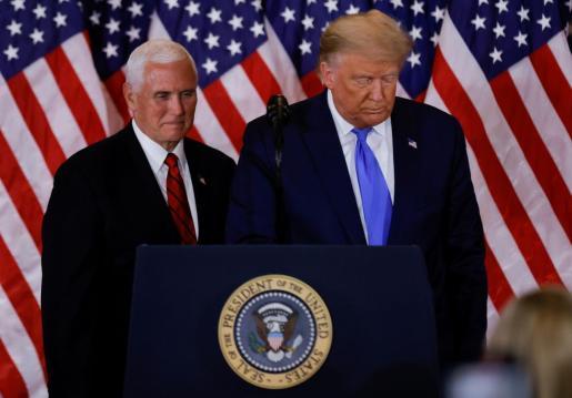 Donald Trump junto a Mike Pence.