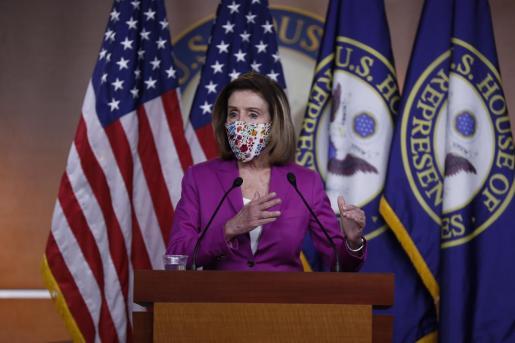 La presidenta de la Cámara de Representantes, Nancy Pelosi, en rueda de prensa.