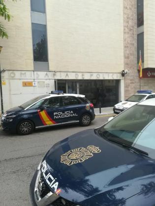 La Policía Nacional acudió al domicilio y detuvo al menor.