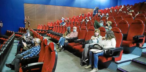 Los cines y los teatros han demostrado ser espacios seguros donde se respetan las normas sin un solo brote asociado.