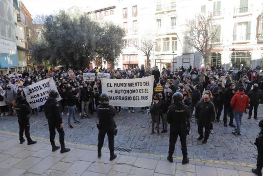 Momento de la protesta contra las restricciones.