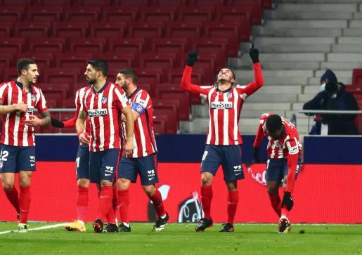 Ángel Correa celebrando su gol.