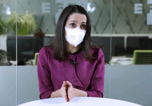 La líder de Ciudadanos, Inés Arrimadas, durante una entrevista.