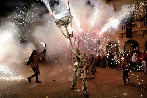 Los pueblos han suspendido las fiestas de Sant Antoni, solo algunos actos a puerta cerrada pueden seguirse por streaming.