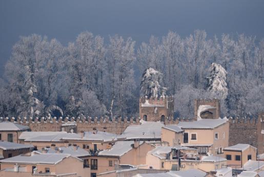 La borrasca Filomena ha dejado estampas irrepetibles en la ciudad de Toledo, donde se han acumulado hasta 50 centímetros de nieve.