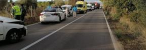 Un conductor se duerme y provoca un accidente frontal en la carretera de s'Esgleieta