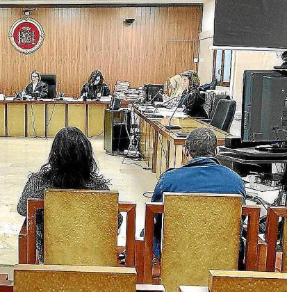 Los dos acusados, durante el juicio celebrado en la Sección Primera de la Audiencia de Palma.