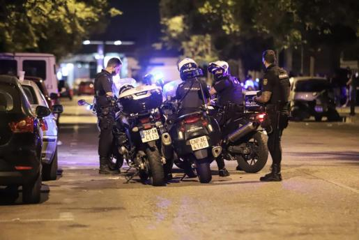 La Policía Nacional montó un gran operativo en Palma para tratar de localizar a los menores fugados.