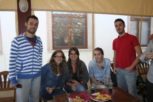 Alejandro Aguiló, Marta Gallego, Marta Bennássar, Estefanía González y Sebastián Sans.