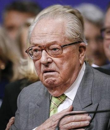 El ultraderechista Jean-Marie Le Pen se casa por la Iglesia a los 92 años