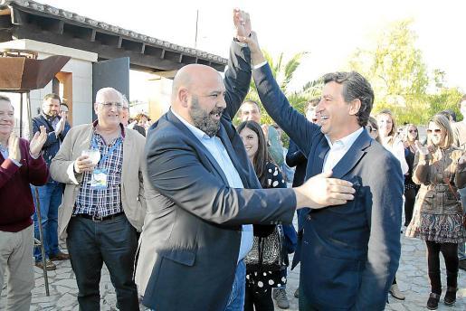 Jaime Martínez, con Gabriel Company, en el último congreso del PP balear.