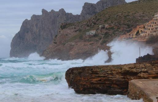 Imagen de oleaje en Cala Sant Viçens.