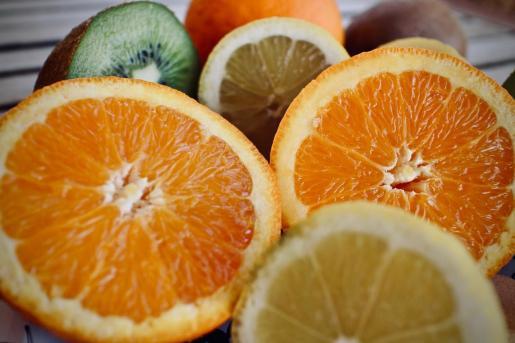 El consumo de cítricos es muy beneficioso para la salud.