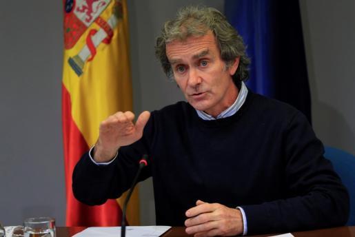 El director del Centro de Alertas y Emergencias (CCAES), Fernando Simón, durante la rueda de prensa para evaluar el estado de la pandemia de la COVID-19, este jueves en el Ministerio de Sanidad, en Madrid.