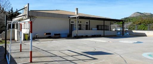Vista exterior del colegio de educación inicial y primaria de Els Molins, en la localidad 'andritxola' de s'Arracó.