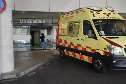 La mujer ha sido trasladada al hospital de Son Espases.