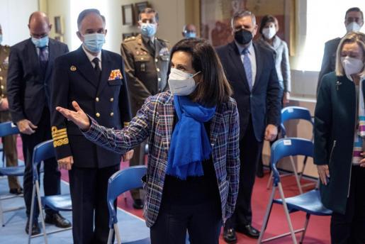 La ministra de Defensa, Margarita Robles, ha informado de que ha pedido a un informe sobre el asunto de la primera dosis al JEMAD.