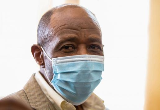 El partido insta a la República de Ruanda a poner en libertad de manera inmediata a Paul Rusesabagina, en atención a su delicado estado de salud