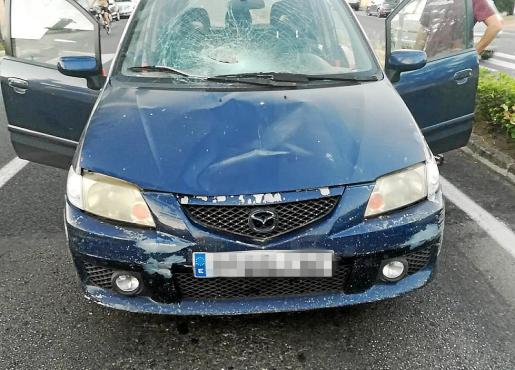 Estado en el que quedó el Mazda Premacy que conducía el acusado cuando se produjo el atropello mortal en la avenida Juan Carlos I de Capdepera.