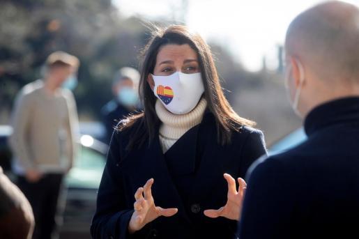 La presidenta de Ciudadanos, Inés Arrimadas, durante un acto electoral celebrado en Barcelona este domingo.