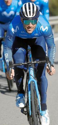 El ciclista 'saliner' Lluís Mas, en un entrenamiento durante la concentración que el Movistar Team ha realizado este mes de enero en la provincia de Almería.