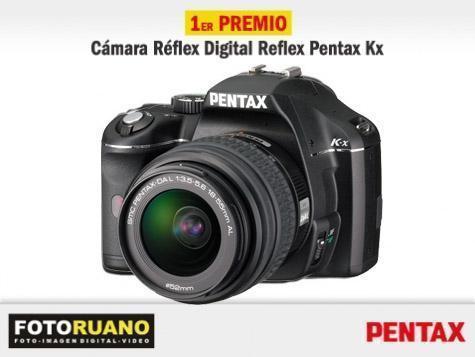 El primer premio consiste en esta cámara digital Reflex de la marca Pentax modelo KX.