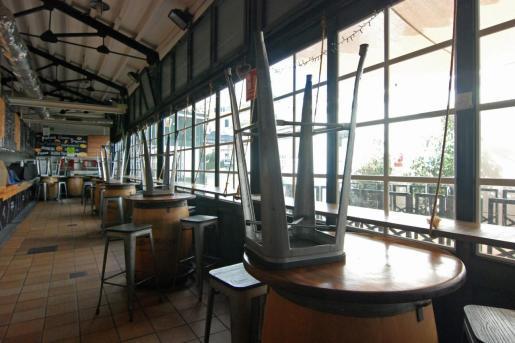 El cierre de los bares y restaurantes ha supuesto un duro golpe para el sector, que ya estaba muy afectado por la crisis económica derivada de la pandemia.