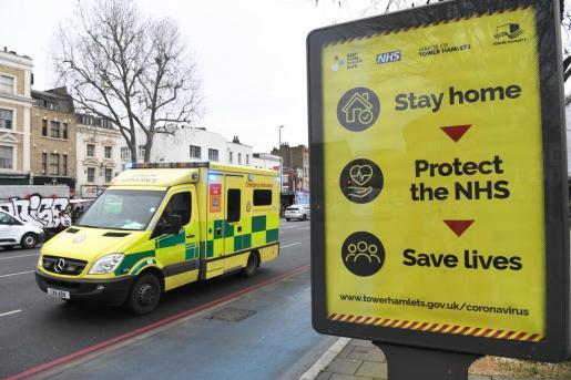 Reino Unido tiene la quinta cifra más alta a nivel mundial de casos y decesos.
