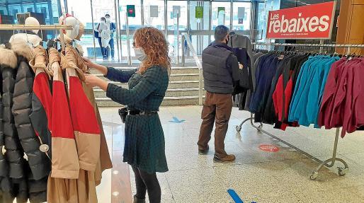 Los centros de El Corte Inglés de Palma disponen de zonas específicas para la venta de textil básico de invierno.