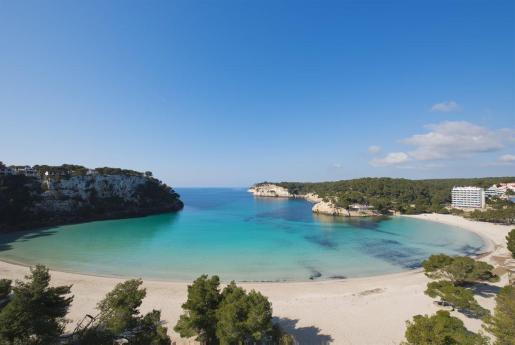 España no resistirá un segundo verano sin turismo. Es vital diseñar YA una hoja de ruta que incluya una estrategia… https://t.co/oHTbYTf585