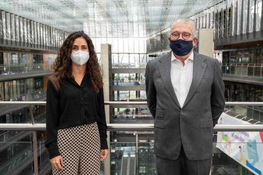 Maria Francisca Perelló, directora de la Fundación Rafa Nadal, junto con José Bogas, consejero delegado de Endesa.
