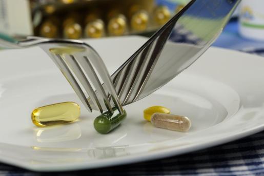 Existe mucho debate sobre la necesidad de consumir complementos alimentarios.
