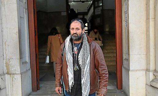 Nueva imputación. El activista Antonio Estela compareció esta semana en los juzgados de Vía Alemania para declarar como investigado.