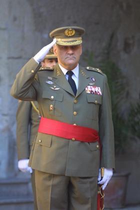 Imagen del general en los tiempos en que comandó al ejército en las Islas.