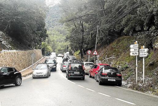 Durante las últimas nevadas las carreteras de la Serra se colapsaron varios días.