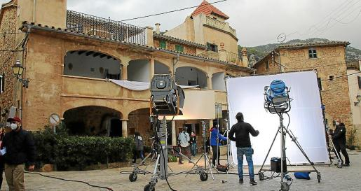 El rodaje de los doce cortos que integrarán el largometraje, de unos cien minutos, se presentará en marzo.