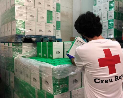 Según ha explicado Cruz Roja, los alimentos son de carácter básico, no perecederos, de fácil transporte y almacenamiento.