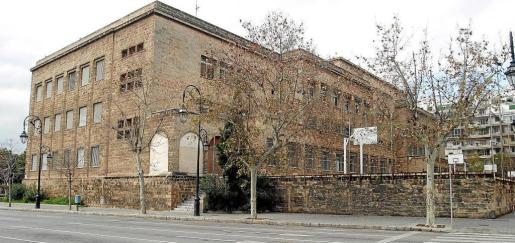 El mantenimiento de los 54 colegios públicos de Palma, en la imagen el Jaume I, es competencia municipal.