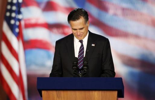 El republicano Mitt Romney, en su comparecencia tras conocer la derrota de su candidatura.
