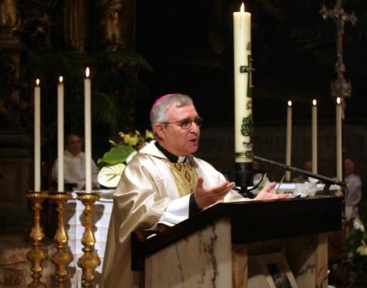 Jesús Murgui, durante su etapa como obispo de Mallorca.